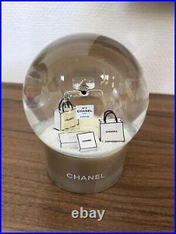 CHANEL Schneekugel Gold CHANEL Snow Globe Gold Chanel VIP Geschenk NEU