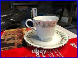 China Pearl Noel christmas dishes Service for 8