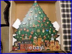 Colonial Williamsburg Wood Christmas Tree Advent Calendar NEW NIB Collectible