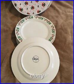 GIBSON 40 Piece Dinnerware Set + 40 Piece Flatware Set Christmas Holly & Berry