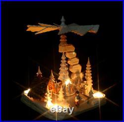 Große Teelicht Pyramide hand- geschnitzt Waldmotiv mit Räucherhaus Erzgebirge