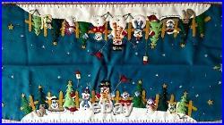 Handmade 46 Wool Flannel Felt Embroidered SNOWMAN Scene CHRISTMAS TABLE RUNNER